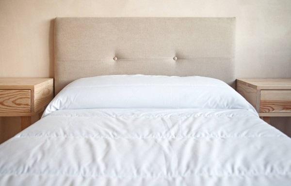 colocar cabecero de cama pared